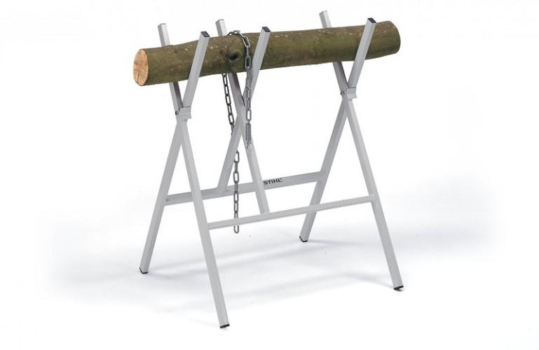 Kovový kozlík na rezanie dreva